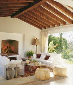 Localizada em Sotogrande, um canto privilegiado da Andaluzia, os espaços abertos desta casa permitem que a luz natural entre sem barreiras,...