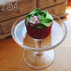Que tal esse cupcake para festa de 15 anos? #zoebakes #cupcake #flowercupcake #rosecupcake #festa15