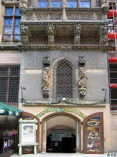 Breslau (Wroclaw), Eingang zum Bierkeller Schweidnitzer Keller (Piwnica Swidnicra) am