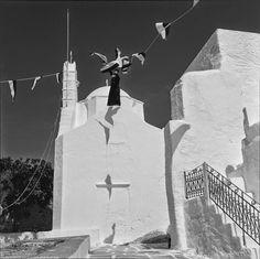 Ζαχαρίας Στέλλας Συλλογή μουσείου Μπενάκη.. Benaki Museum, Greece Pictures, Paros, Greece Travel, Vintage Pictures, Priest, Athens, Old Photos, Summertime