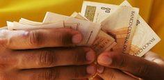 FGV: Salário-mínimo seria de R$ 400 se limite de gasto valesse desde 1998