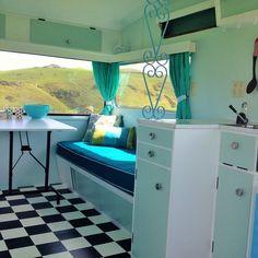 Love-Vintage-Caravans-Peggy2-DIYRV.jpg