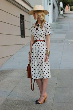 Polka dots are always in dress/ skirt наряды, платья ve одеж Retro Mode, Mode Vintage, Vintage Style, Vintage Vibes, Vintage Inspired, Modest Summer Outfits, Fresh Outfits, Summer Dresses, Dress Skirt