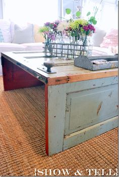 cutest table EVER!}- old door turned coffee table Coffee table from an old door.I've got an old door in the garage, begging for this upcycle ;))Coffee table from an old door.I've got an old door in the garage, begging for this upcycle ; Old Door Tables, Door Coffee Tables, Diy Coffee Table, Repurposed Furniture, Diy Furniture, Repurposed Doors, Recycled Door, Reclaimed Doors, Porta Diy