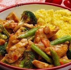 Make your own chicken curry according to recipe with coconut milk Healthy Eating Recipes, Cooking Recipes, Low Carb Brasil, Coconut Milk Recipes, Convenience Food, Eating Habits, Asian Recipes, Food Inspiration, Love Food