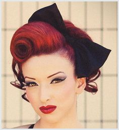 Hochsteckfrisuren-rockabilly-roll-hairstyle (Retro Wedding Hair)