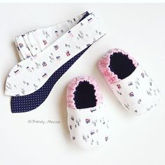 1 million+ Stunning Free Images to Use Anywhere Baby Girl Boots, Toddler Girl Shoes, Baby Booties, Girls Shoes, Baby Presents, Baby Gifts, Bb Shoes, Free To Use Images, Kids Frocks
