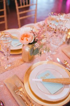 blush & gold wedding place setting tablescape. glitter gold & pink