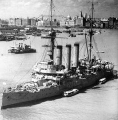 出雲級装甲巡洋艦(1937年の上海にて)