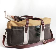 When you take a break, you dont need your bag to do the same. This roomy bag can take you to the next county, the opposite coast or a country halfway