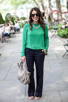 **green top + dark navy pants + nude pumps + grey bag // corporate catwalk