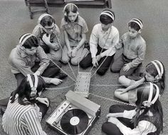 Vinyles Passion – Vintage Photos of Teenage Record Party in the 1950s and 1960s