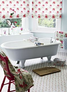 Would love to have a bathroom big enough for a bathtub like that