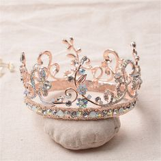 Bride Rose Gold Flower Leaf Crystal Diamond Wedding Bridal Crown Rhinestone Opal Pageant Tiara is cheap, see other hair accessories on NewChic. Rose Gold Engagement Ring, Vintage Engagement Rings, Diamond Wedding Bands, Halo Engagement, Ring Set, Ring Verlobung, Tiara Ring, Cute Jewelry, Jewelry Accessories