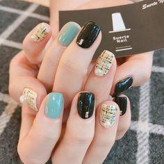 Tweed nail art