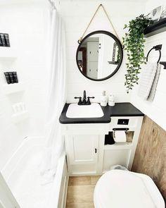 Camper Bathroom, Caravan Renovation, Trailer Decor, Rv Interior, Camper Makeover, Remodeled Campers, Bathroom Renovations, Bathroom Ideas, Rv Life