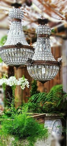 Chandelier Makeover, Chandelier Lighting, French Country Living Room, Antique Chandelier, Farmhouse Lighting, Garden Ornaments, Luxury Home Decor, Vintage Lamps, Lamp Shades