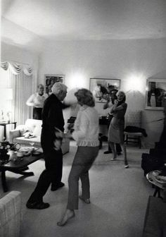Marilyn at a private party at Henry Weinstein's home - January 20, 1962