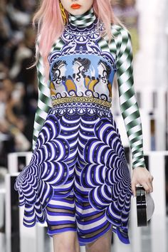 See detail photos for Mary Katrantzou Spring 2017 Ready-to-Wear collection.