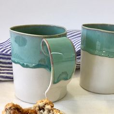 Ceramic mug, pottery mug, Handmade mug, xl mug, tea mug, Coffee cup, Big mug, Large mug, big ceramic coffee mug , ceramic cup This mug is an extra large size 1/2 liter This listing is for one (1) cup. -Approx size: 10.5x8.5 cm / 4.1x 3.3 holds 500 ml/ 17 oz -technique : slip