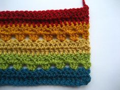 Cozy Stripes blanket tutorial.  Very good step-by-step.  Great for beginners and experienced crocheters alike.