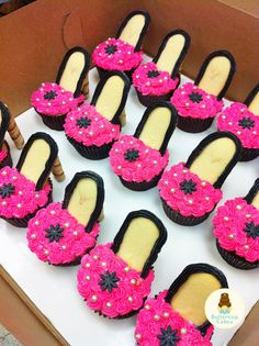 Find a selection of Barbie cupcakes for your Barbie themed birthday party or event. High Heel Cupcakes, Shoe Cupcakes, Baking Cupcakes, Cupcake Cookies, Barbie Birthday Party, Barbie Party, Birthday Parties, 5th Birthday, Birthday Ideas
