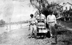 Seminole Indians at G.W. Storter's trading post - Everglades City, Florida 1915
