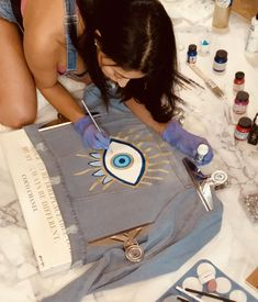 Painted Denim Jacket, Painted Jeans, Painted Clothes, Hand Painted, Cute Canvas Paintings, Easy Canvas Art, Eye Painting, Fabric Painting, Custom Clothes
