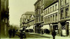 Große Bergstraße.. Aus Altona sollte mal eine moderne Stadt werden. Das misslang – kaum ein Hamburger Stadtteil steht heute historisch so sehr für Veränderung wie die Altonaer Altstadt.