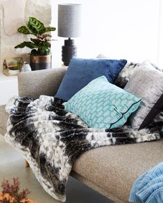Winter Living | Home Beautiful Style Challenge with #bedbathntable   #livingdecor #homestyle