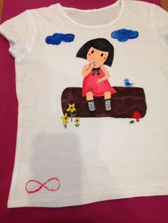 Camiseta Gorjuss, pintada a mano.