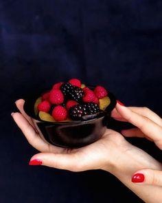 Ми ліниві створіння чи жертви постійного браку часу? 🤷 Часами мене їсть совість, що мало читаю, що мало тренуюсь, не вчу іноземні мови, не… Blackberry, Strawberry, Fruit, Food, Essen, Blackberries, Strawberry Fruit, Meals, Strawberries