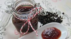 Homemade elderberry syrup is a safe, effective natural remedy for colds and flu--or just to boost your immune system all year long! Onion Marmalade Recipes, Lemon Marmalade, Elderberry Jam, Elderberry Recipes, Pickled Beets Recipe, Bath Jellies, Fruit Preserves, Red Beets, Natural Cold Remedies