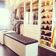// closet //