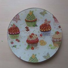 Tía Keko manualidades niños con cristal Napkin Decoupage, Decoupage Paper, Decoupage Ideas, Cupcake Boutique, Decorative Napkins, Ceramic Painting, Quilt Patterns, Quilts, Tableware