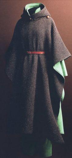 Poncho con cappuccio, Max Mara AI 1976