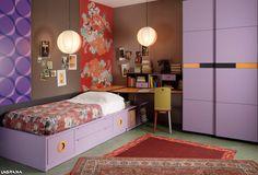 Catálogo Aire avatar 11 . Dormitorio juvenil con una cama y un armario de puertas correderas kandor