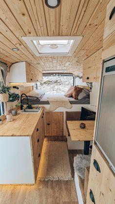 Sprinter Camper, Bus Camper, Camper Life, Van Conversion Interior, Camper Van Conversion Diy, Build A Camper Van, Travel Camper, Kombi Home, Bus Living
