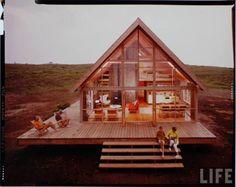 jens risom's prefab weekend house, 1967