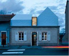 """Demain, j'elve le haut"": four floods of first-class houses - Architectural Style Roof Edge, Architecture Résidentielle, External Cladding, Roof Extension, Facade House, House Facades, First Class, Modern Room, Farmhouse"