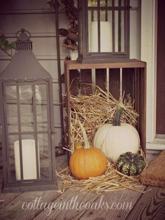 love this for October-November front porch decorating.