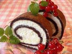 Sametová roláda Caprese Salad, Pancakes, Cheesecake, Food And Drink, Pudding, Sweets, Cooking, Breakfast, Desserts