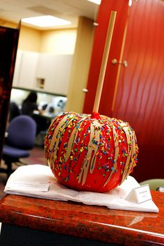 creative decorated pumpkin - carmel apple!!