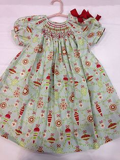Christmas in October Smocked Dress with Connie Palmer- Learn how to construct a pre-pleated bishop dress using this brand new pattern not yet released. Take this class alone or take Connie's Learn to Smock workshop and complete this beautiful dress just in time for Christmas.