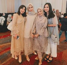 Kebaya Modern Dress, Kebaya Dress, Kebaya Wedding, Fashion Dresses, Women's Fashion, Brokat, Batik Dress, Bridesmaid Dresses, Wedding Dresses