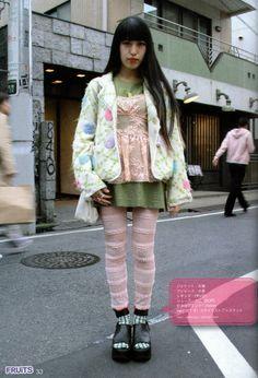 FuckYeahFRUiTS: Photo Japanese Street Fashion, Tokyo Fashion, Harajuku Fashion, 90s Fashion, Fashion Outfits, Gyaru Fashion, Harajuku Girls, Quirky Fashion, Japanese Streets