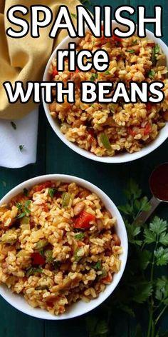 Authentic Spanish Rice Recipe, Homemade Spanish Rice, Vegan Rice Dishes, Vegan Main Dishes, Dinner Side Dishes, Side Dishes Easy, Mexican Food Recipes, Vegetarian Recipes, Spanish Recipes