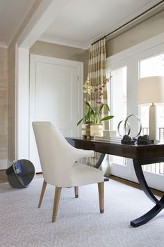 :: Havens South Designs ::  the detail on the window alcoves access doors in this Michael Hampton Design.
