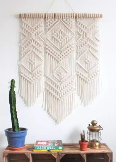 Makramee Wandkunst Handarbeit Baumwolle Wandbehang Tapisserie mit Spitzenstoffen… Macrame wall art handmade cotton wall hanging tapestry with lace fabrics Bohemia – Crystal Ann Olet – # Macrame Wall Hanging Diy, Macrame Art, Macrame Projects, Macrame Knots, Tapestry Wall Hanging, Diy Projects, Macrame Wall Hangings, Hanging Fabric, Macrame Curtain