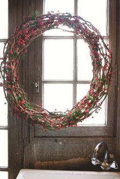 Domov tvoří detaily Christmas Wreaths, Xmas, Interior Exterior, Grapevine Wreath, Wonderland, Santa, House Styles, Holiday Decor, Beautiful